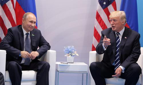 Trump 'hài lòng' trước lời đáp Nga không can thiệp bầu cử Mỹ từ Putin