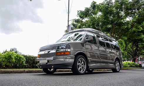 chevrolet-express-explorer-xe-van-hang-khung-gia-1-5-ty-tai-viet-nam