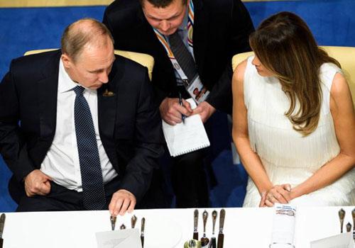 Vợ Trump phá bỏ mác 'bình hoa di động' tại G20