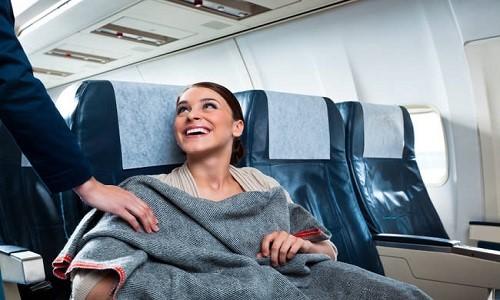 Tại sao chúng ta thấy lạnh trên máy bay?