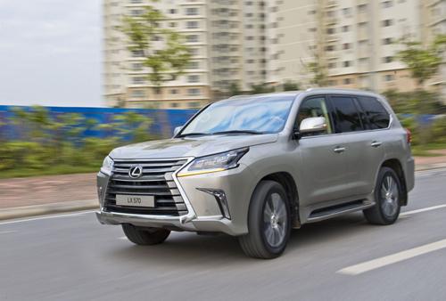 Lexus là hãng xe sang ảnh hưởng nặng nề nhất vì thuế mới.