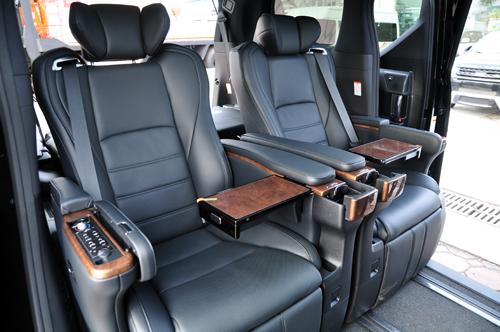 Xe sang Toyota Alphard chuẩn bị phân phối tại Việt Nam 02