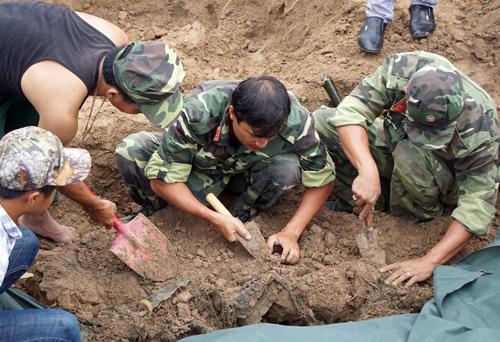 Tìm thấy 21 hài cốt liệt sĩ ở chiến khu Tam Giác Sắt