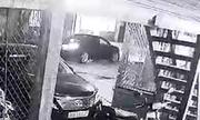 Xe máy băng ngang đường va chạm với ôtô - xe nào sai?