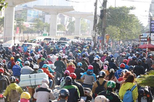 Ông Nguyễn Đức Chung: Hà Nội sẽ hạn chế chứ không cấm xe máy - Ảnh minh hoạ 2