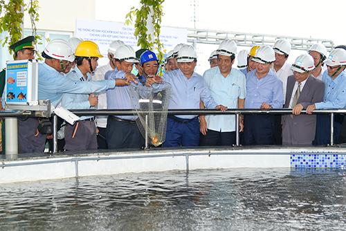 Thủ tướng thị sát hệ thống xử lý nước thải của Formosa