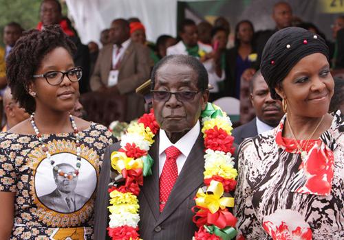 sinh nhat chi vo, tong thong zimbabwe hao phong tang 1,4 ty tien mat hinh anh 1