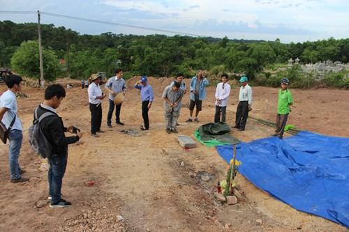 Nguyễn Phước Tộc kiện công ty san ủi lăng mộ vợ vua