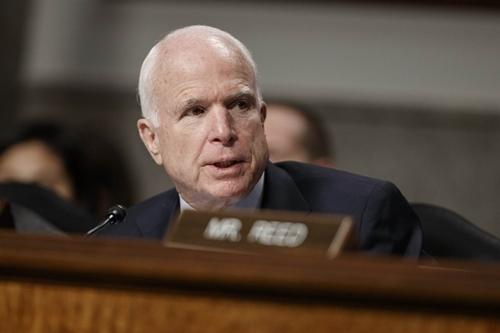 Thượng nghị sĩ John McCain, Chủ tịch Ủy ban Quân vụ Thượng viện. Ảnh: AP