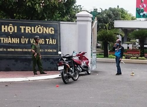Thanh niên ném bom xăng vào Hội trường Thành ủy Vũng Tàu