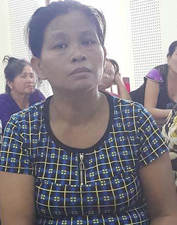 Người đàn bà cầm chày đánh vào vùng kín khiến chồng tử vong