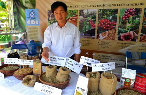 Cà phê Việt chuẩn Fair Trade không lo bị ép giá