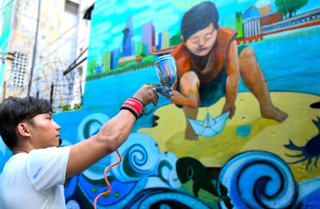 """10 bức tường ở trung tâm Sài Gòn được thay """"áo mới"""""""