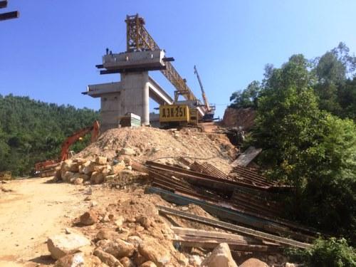 Sập dầm cầu công trình cao tốc Hạ Long - Vân Đồn - Ảnh minh hoạ 2