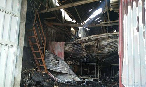 Nổ xưởng sản xuất bánh kẹo ở Hà Nội, 8 người chết