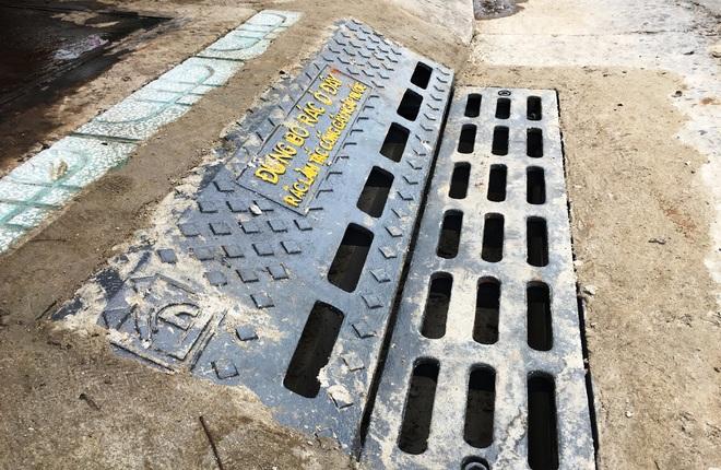 Lắp thí điểm hơn 350 hố ga ngăn mùi trên 3 tuyến đường Sài Gòn
