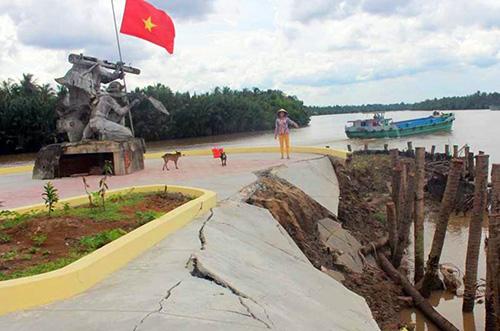 Khu tượng đài 1,7 tỷ đồng ở Bến Tre xây chưa xong đã sạt lở