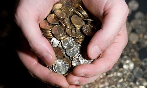 Doanh nhân Nga đem 4,7 triệu đồng xu đi trả nợ bảo hiểm