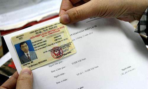 Sẽ bỏ nhiều thủ tục khi cấp giấy phép lái xe