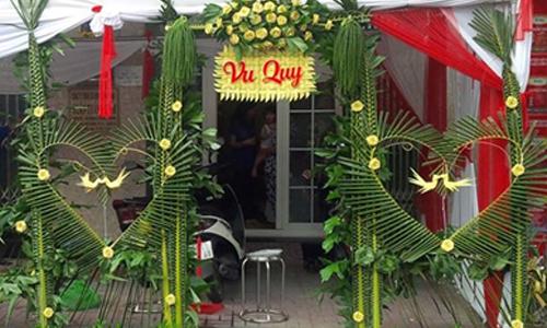 Những cổng cưới bằng lá dừa 'chất nhất quả đất'