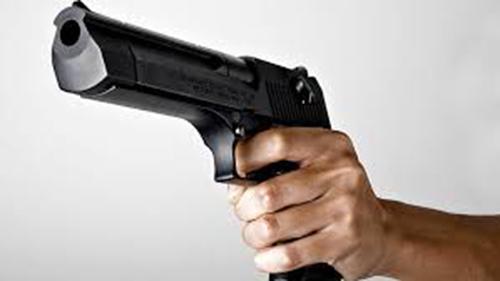 Gây hấn ở quán karaoke, một người bị bắn chết