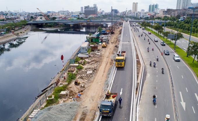 Nhánh cầu nối đại lộ hiện đại nhất TP HCM xong trước hai tháng - Ảnh minh hoạ 2