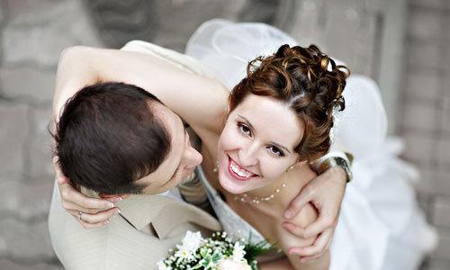 Một số mẫu câu giao tiếp về chủ đề hôn nhân