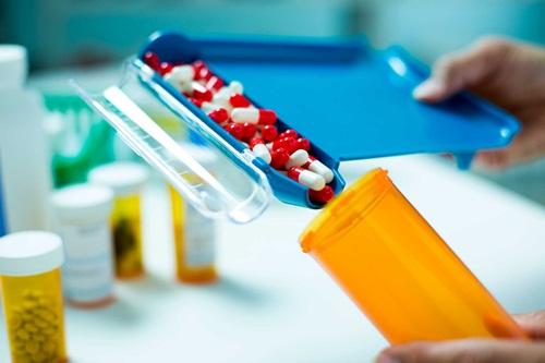 Các nước trên thế giới quản lý thuốc nhập khẩu thế nào?