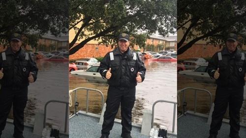 Cảnh sát Mỹ mắc ung thư vẫn lao vào lũ cứu người trong bão Harvey