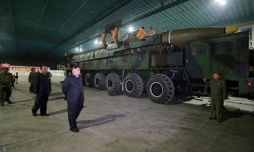 Triều Tiên khoe bệ phóng tên lửa