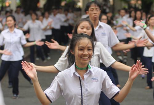 ngoi-truong-thoi-phap-mang-ten-hoc-gia-truong-vinh-ky-2