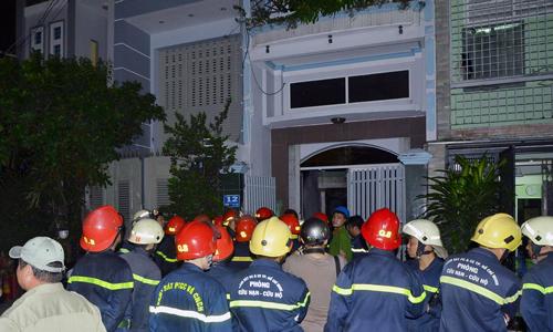 7 người được cứu khỏi nhà bốn tầng bốc cháy ở Sài Gòn