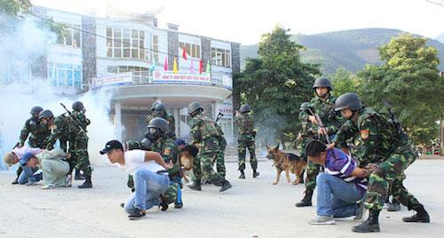 Bộ đội biên phòng Việt - Trung diễn tập liên hợp chống khủng bố