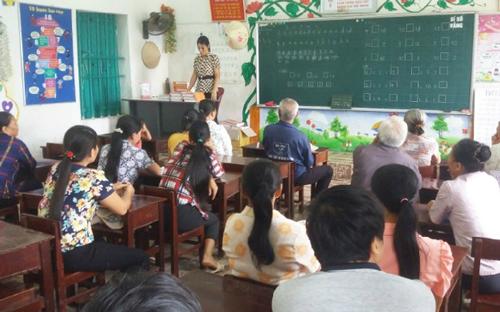 Giáo viên ấm ức vì bị cho khuất tất với hội phụ huynh