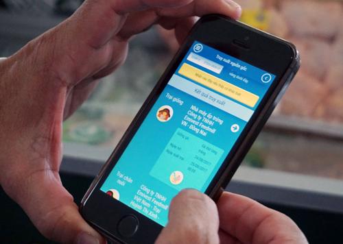 tp-hcm-tim-nguon-goc-thit-trung-ga-bang-smartphone-1