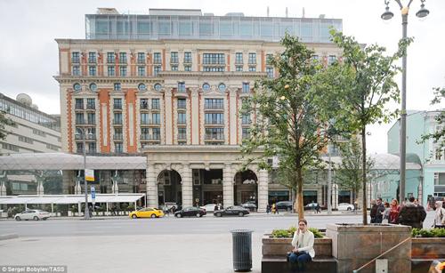 Khách sạn Ritz Carlton là một trong hai khách sạn 5 sao nơi đoàn tháp tùng của vua Salman ở trong thời gian thăm Nga. Ảnh: Tass.