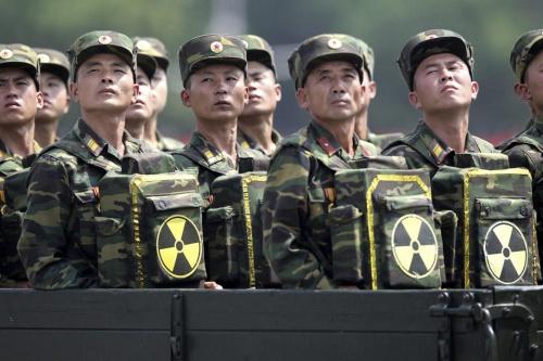 Binh sĩ Triều Tiên duyệt binh. Ảnh: Reuters.