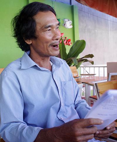 Ông Thỏa nghỉ hưu do mất sức lao động nhưng không được giải quyết lương hưu. Ảnh: Thạch Thảo.