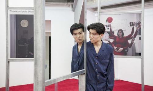 Nhà sưu tầm nghệ thuật 23 tuổi của Trung Quốc Michael Xufu Huang. Ảnh: Michael Xufu Huang.