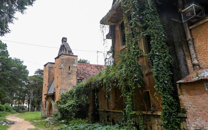 Tu viện kiến trúc Pháp bỏ hoang gần 20 năm ở Đà Lạt - Ảnh minh hoạ 2