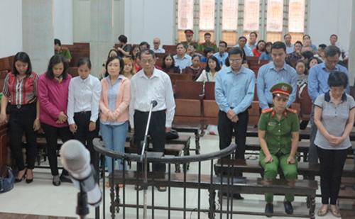 Nhiều nạn nhân của cựu đại biểu Thu Nga sốc khi nghe toà tuyên án