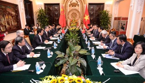 Buổi hội đàm giữa lãnh đạo Bộ Ngoại giao hai nước tại Nhà khách chính phủ. Ảnh: Giang Huy.