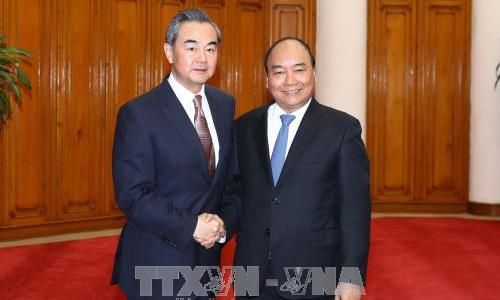 Thủ tướng Nguyễn Xuân Phúc tiếp Bộ trưởng Ngoại giao Trung Quốc Vương Nghị. Ảnh: Thống Nhất/TTXVN.