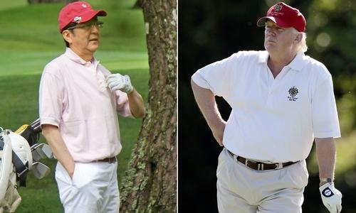 Tổng thống Trump chơi golf với Thủ tướng Abe