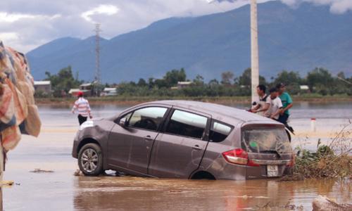 89 người chết, 18 người mất tích do bão lũ