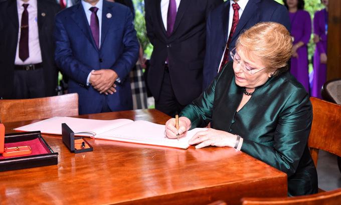 Một ngày của Tổng thống Chile tại Hà Nội - Ảnh minh hoạ 6