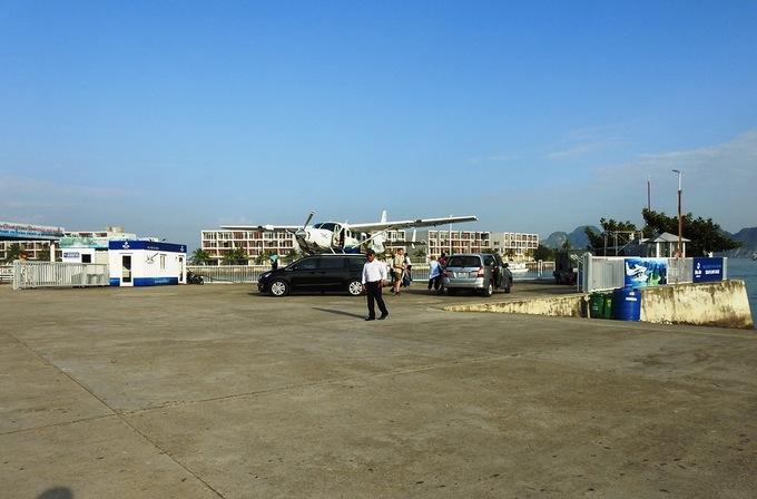 COO Facebook thăm vịnh Hạ Long, đi thủy phi cơ về Hà Nội