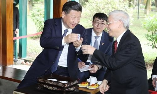 Tổng Bí thư dự tiệc trà cùng Chủ tịch Trung Quốc