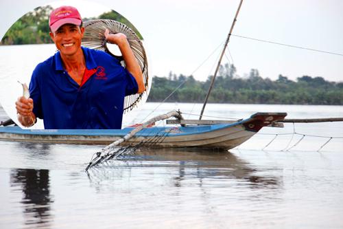 Kéo côn bắt cá lóc đồng mùa lũ ở miền Tây