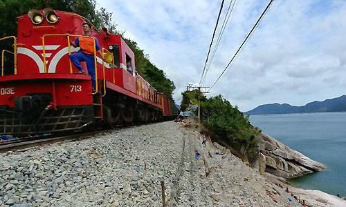 Đường sắt Bắc Nam thông tuyến sau 10 ngày gián đoạn